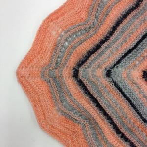 knitted chevrom edge centre
