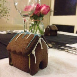 Christmas baking: mini gingerbread houses and Black Bun